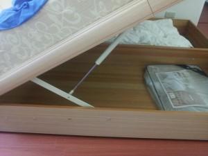 Foto von geöffnetem Bettkasten